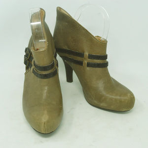 Anthropologie Fanylrobin Womens Taupe Ankle Boots